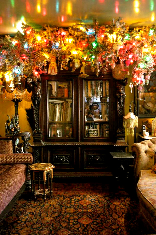 The bookcase bower of wirewrap ornaments from the 1910s to the 1930s, and tin and led reflectors from the 1800s. ALL PHOTOS: By Jim Kempster